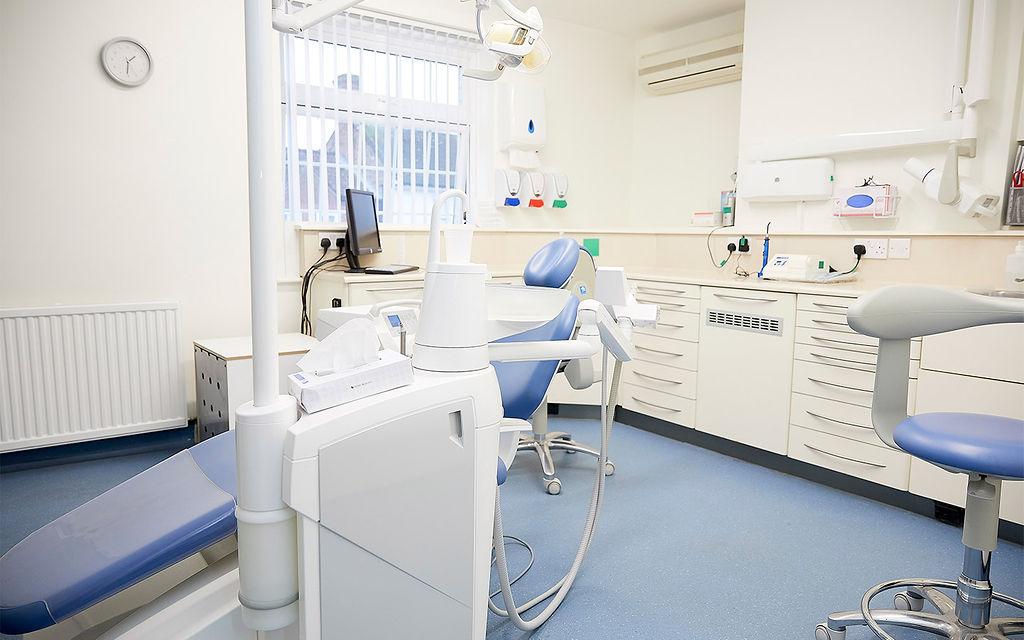 Gayton-Clinic-Room-2-Desktop-min.jpg
